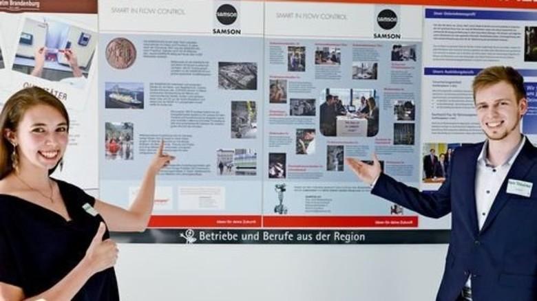 Aussichten: An der Job Wall gibt es Einblicke in die Arbeitswelt. Foto: Schoenfeld