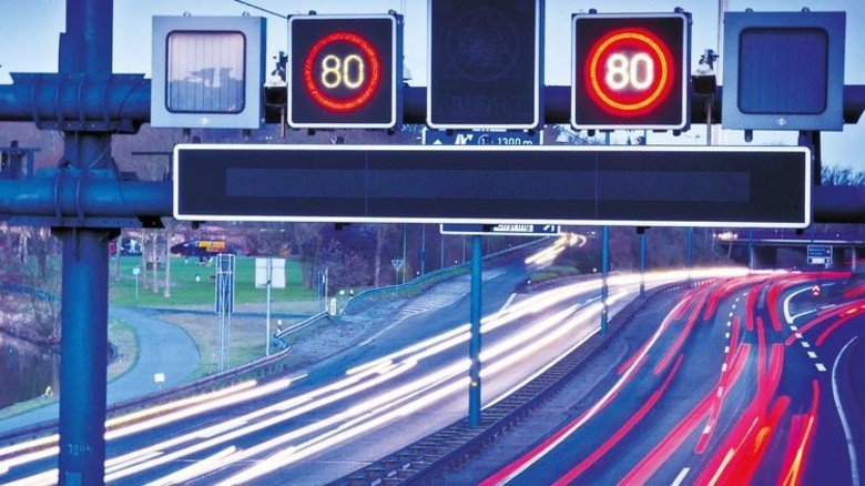 Effektive Leittechnik: So bleibt der Verkehr im Fluss. Foto: Adobe Stock