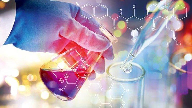 Gläsern: Wie im Labor sollen die Schritte zum Erfolg der Branche nachvollziehbar sein. Foto: Fotolia