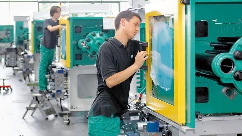 Großserie: Spritzgießmaschinen schaffen hohe Stückzahlen. Foto: Werk