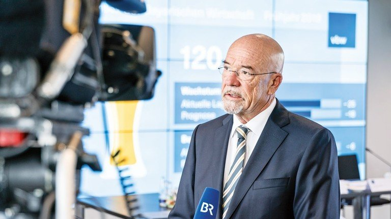 Seit Mai im Amt: Wolfram Hatz (58) ist neuer Präsident der bayerischen Metall- und Elektroarbeitgeberverbände bayme und vbm sowie der Vereinigung der Bayerischen Wirtschaft (vbw). Er ist Hauptgesellschafter der Motorenfabrik Hatz in Ruhstorf an der Rott.
