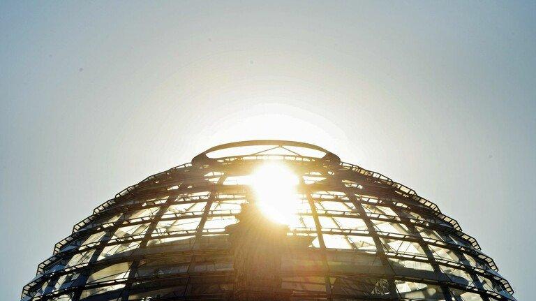 Wer auch immer die nächsten vier Jahre im Berliner Reichstag regieren wird: Die M+E-Unternehmen haben klare Erwartungen.