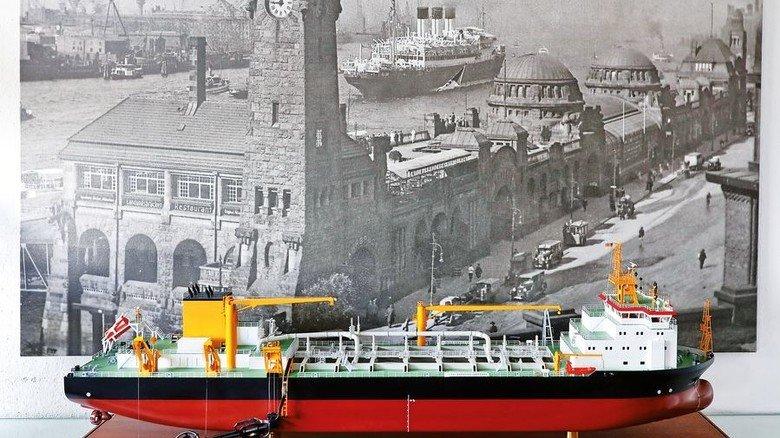 Schiffsmodell: So ungefähr wird der Laderaumsaugbagger aussehen, der derzeit auf der Pella Sietas Werft gebaut wird. Foto: Andreas Costanzo