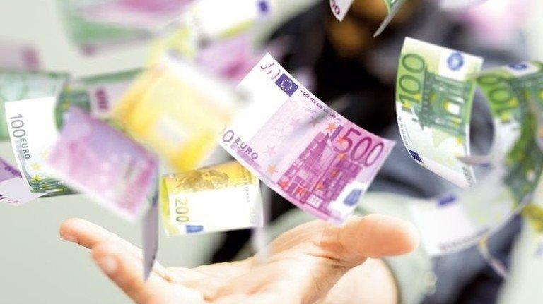 Es lohnt sich: Im Schnitt gibt's rund 900 Euro zurück. Foto: Fotolia