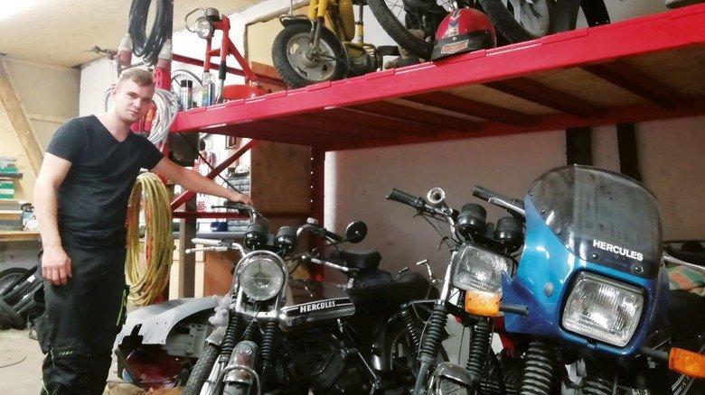Hercules-Fan: Mittlerweile gehören zwölf Zweiräder zum Oldtimer-Park.