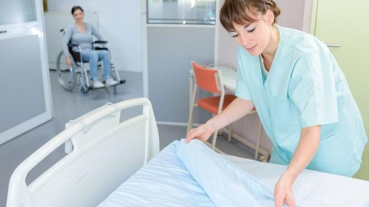 Zu wenig Personal: Schon heute fehlen in Deutschland 35.000 Pflegekräfte. Foto: auremar/stock.adobe.com