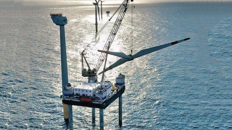 Pionierarbeit: Alpha Ventus war Deutschlands erster Windpark in der Nordsee. Foto: Oelker