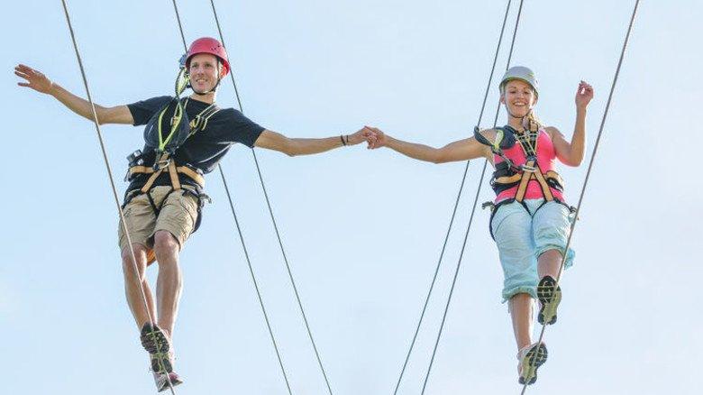 Risiko-Lebensversicherung empfohlen: Wer sich das Leben als gemeinsames Abenteuer zutraut, sollte auch für den Ernstfall vorsorgen. Foto: Adobe Stock