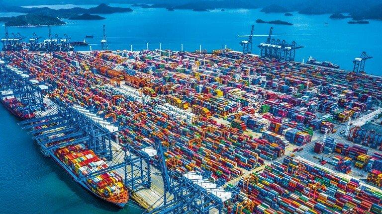 Container-Meer: Im Hafen des chinesischen Yantian herrschte wegen Corona Stillstand.