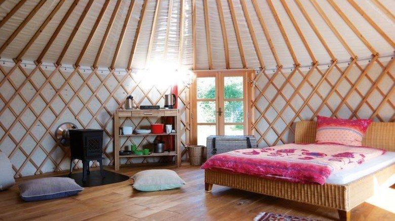 Juchhu, eine Jurte: Das mongolische Zelt in Wietzen bei Nienburg hat viel zu bieten. Foto: Unser kleiner Hof