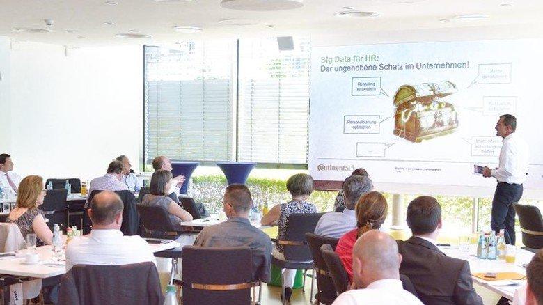 Welchen Einfluss Big Data in der (globalen) Personalarbeit hat, diskutierten Teilnehmer eines Kongresses von Hessenmetall in Frankfurt. Foto: Scheffler