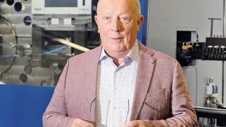 """Geschäftsführer Hans-Georg Reichel: """"Unser Erfolgsgeheimnis ist die ständige Entwicklung neuer Fertigungswege."""" Foto: Deutsch"""