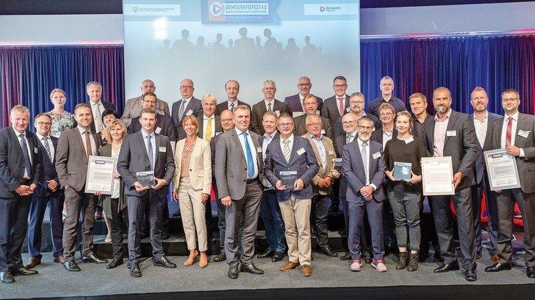 Festakt: Im Alten Rathaus von Hannover erhielten Vertreter von 16Firmen ein Zertifikat. Foto: Kollatsch