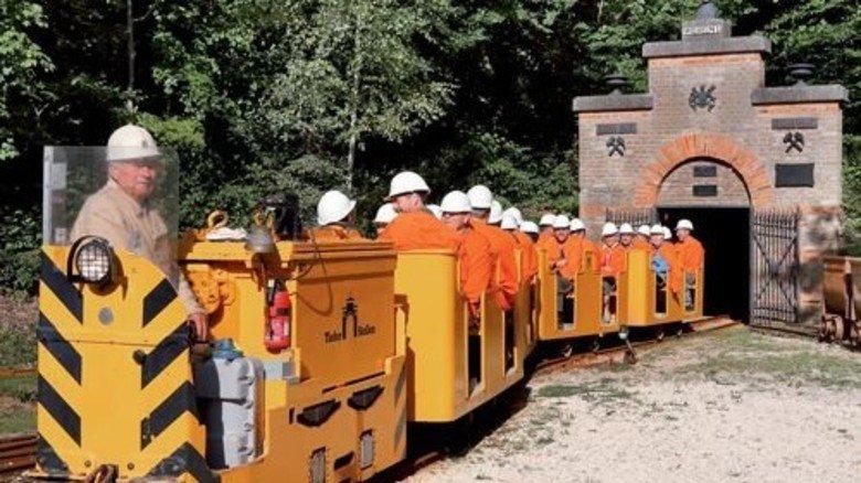 Grubenbahn: Hier geht es 400 Meter tief in den Braunenberg hinein. Foto: Stadt Aalen