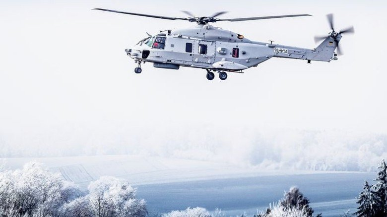 Start frei: Der neue Hubschrauber beim Erstflug. Foto: Werk