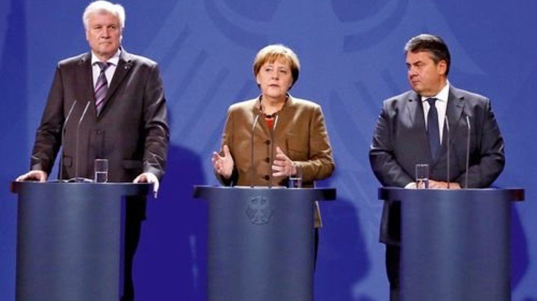 Horst Seehofer, Angela Merkel, Sigmar Gabriel: Keiner hat es eilig, den Soli abzuschaffen. Foto: Reuters