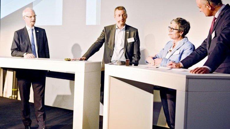Streitgespräch: Hans Jürgen Prömel, Uwe Schirmer, Susanne Hahn und Moderator Ingo Nathusius (von links). Foto: Scheffler