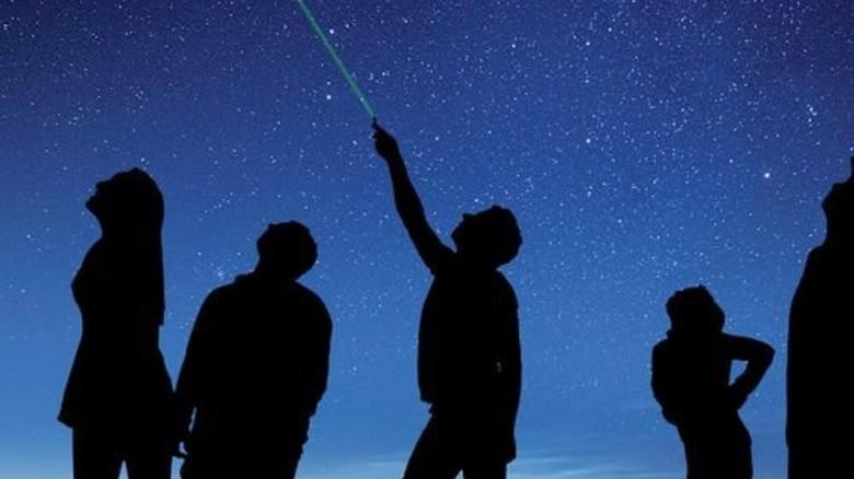Sternführung: Blick in den Nachthimmel bei Rosenheim. Foto: Philipp