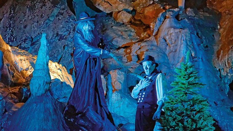 Unterirdische Kunst: In der Baumannshöhle finden regelmäßig Theateraufführungen statt. Foto: Meusel