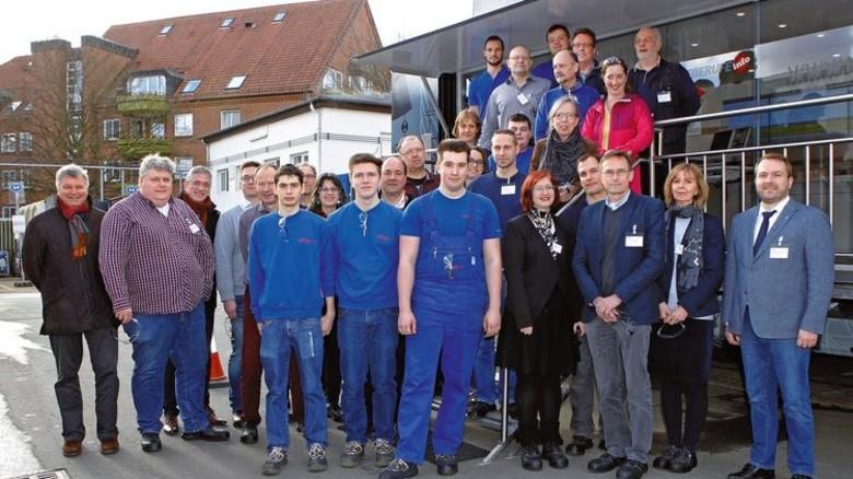 Pädagogen und Praktiker: Rund 20 Lehrer kamen zu der Info-Veranstaltung in Bremen. Foto: Spiering
