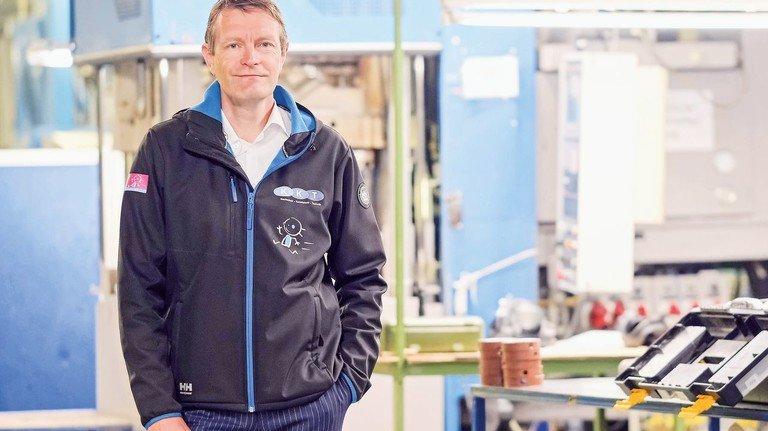 Setzt in der Krise auf Kommunikation: Firmenchef Sven Vogt besprach mit seinen Mitarbeitern die neue Lage des Unternehmens.