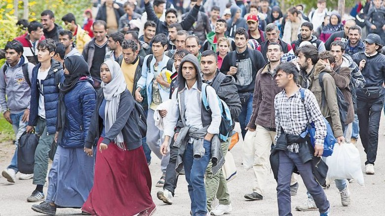 Ansturm im Herbst 2015: Flüchtlinge in Hegyeshalom an der Grenze von Ungarn nach Österreich. Foto: dpa
