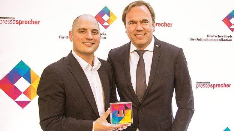 … dann die Auszeichnung an Stefan Francija (links) und Jens Dwenger. Foto: Werk