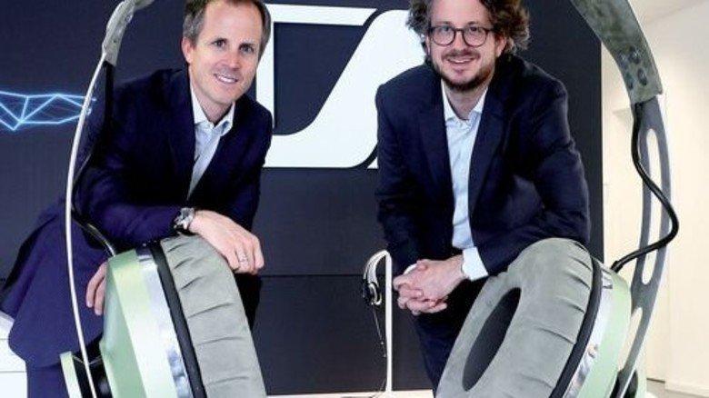 Liebe zum perfekten Sound: Die Brüder Daniel und Andreas Sennheiser (rechts). Foto: Gossmann