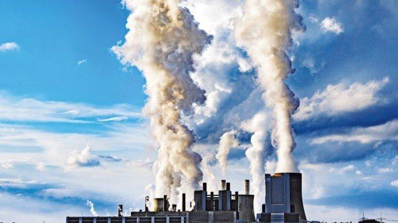 Das drittgrößte in Europa: Braunkohle-Kraftwerk Niederaußem bei Köln. Foto: dpa