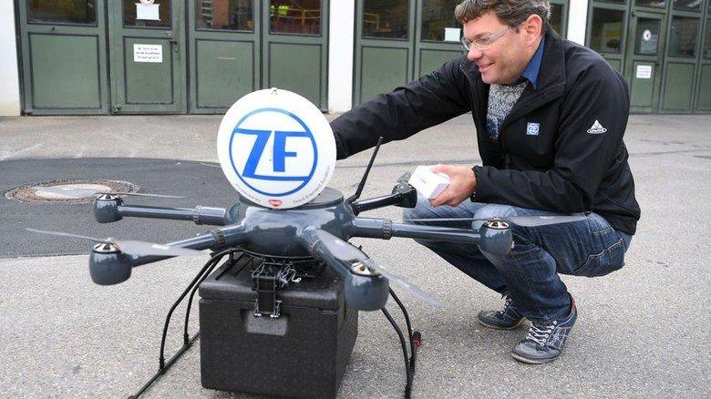 Sein Baby: ZF-Mitarbeiter Michael Wiest hat das Drohnen-Projekt umgesetzt. Foto: ZF