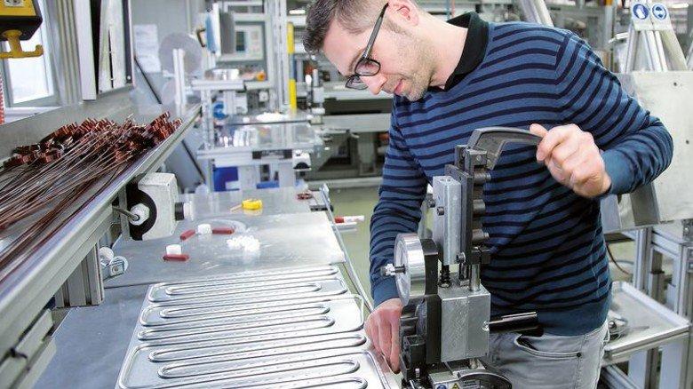 Vielfältige Arbeit: In der Werkstatt ... Foto: Mierendorf