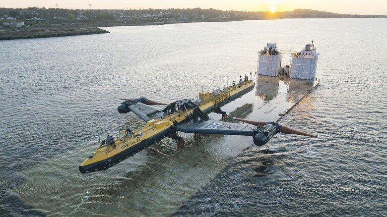 Anreise: Die fertige Konstruktion auf dem Weg zu ihrem Bestimmungsort in der Nordsee.