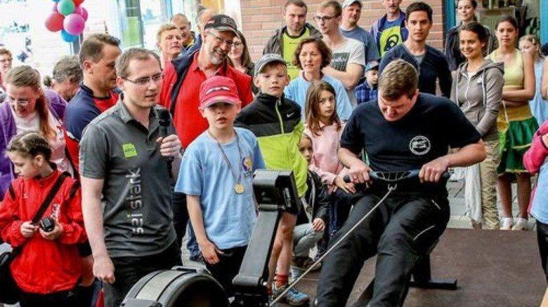 Sportfest mit Familien: Bei Total sucht man den direkten Kontakt. Foto: Werk