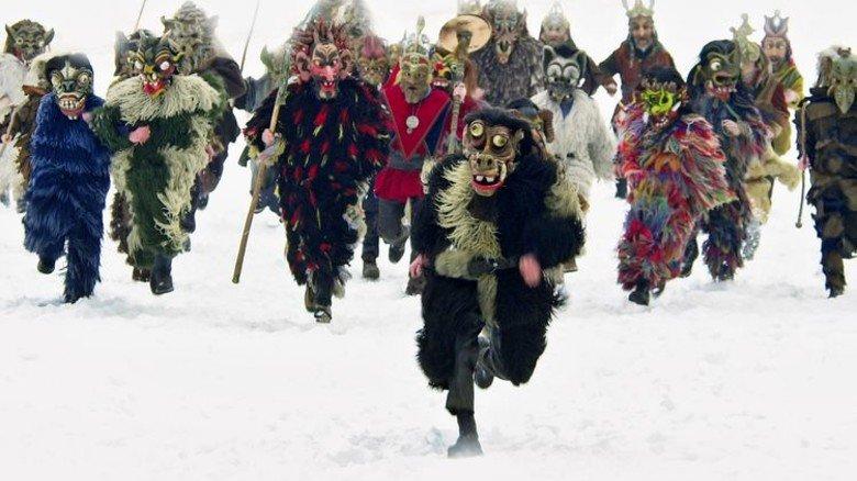 Wilde Tänze und hohe Sprünge: Perchtenlauf in Kirchseeon. Foto: Perschtenbund Soj Kichseeon