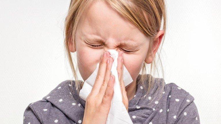 Schniiiieeef: Taschentücher sind die Rettung bei laufender Nase. Foto: Adobe Stock