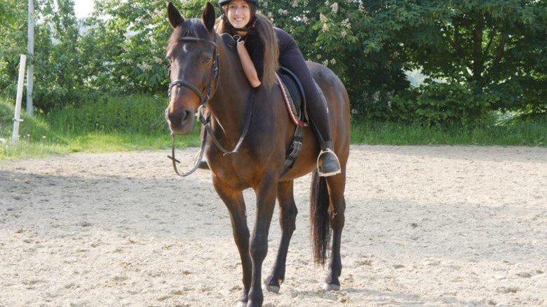 Im Sattel: Zeit mit ihrem Pferd genießt Valentina Kling so oft es geht. Foto: Privat