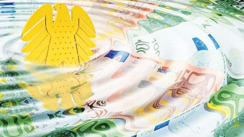 Gut gefüllt: Schon 2016 blieben in den öffentlichen Kassen 23,7 Milliarden Euro Überschuss. Foto/Montage: Roth, Fotolia