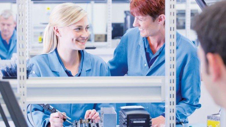 Spaß an Technik: 80 Prozent der Betriebe bilden aus. Foto: Getty