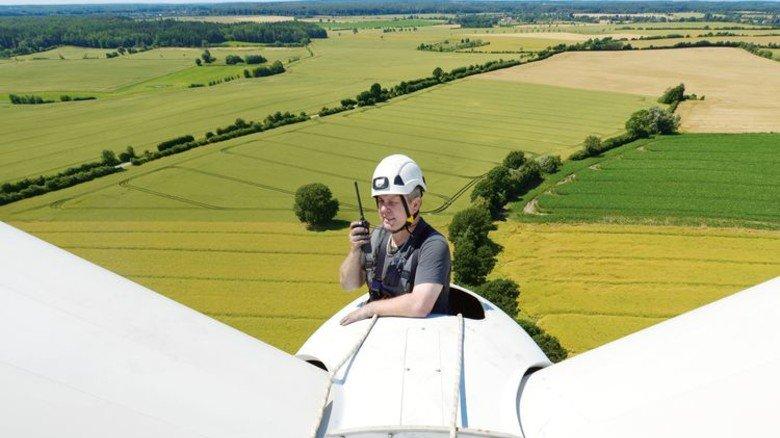 Job mit Aufstiegschancen: Die Beschäftigten von Allcon werden europaweit in der Windkraftbranche eingesetzt und übernehmen dort Service- und Wartungsaufgaben. Foto: Augustin