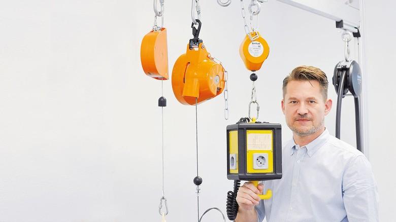 Gefragte Geräte: Geschäftsführer Thomas Steinle zeigt, wie's geht.