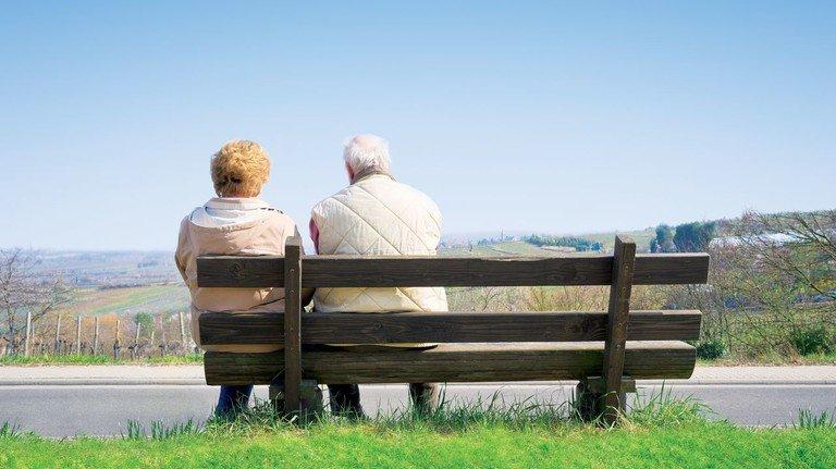 Entspannt: Derzeitige Rentner können die Diskussion ohne große Sorgen verfolgen. Es geht vor allem um die Zukunft ihrer Kinder und Enkel.