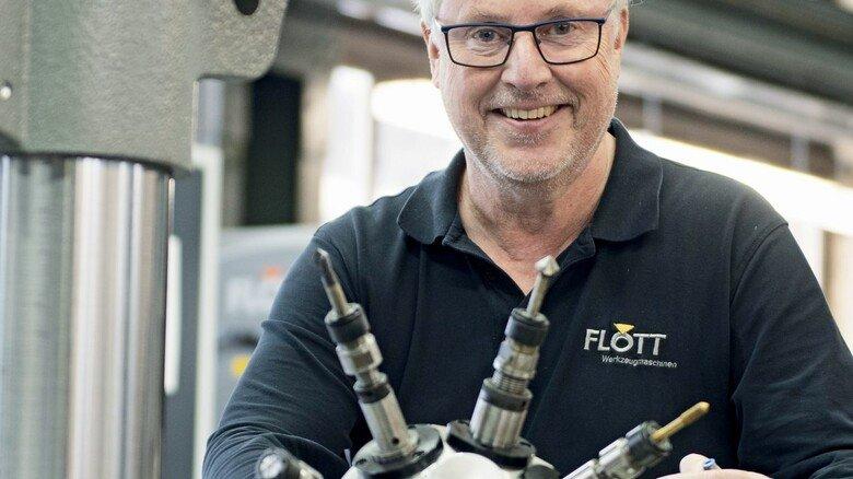 """Mit """"Revolverkopf"""": Jan Peter Arnz, Geschäftsführer von Flott in Remscheid."""
