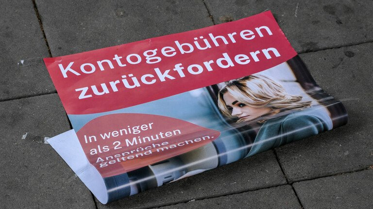 Vielversprechend: Solche Werbeflyer kursierten im Juni etwa in Düsseldorf. Ob die Offerte seriös ist, ist der Redaktion nicht bekannt.