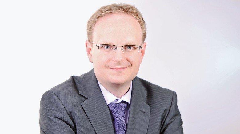 """Branchenexperte Thomas Puls: """"DAs Elektroauto kommt langsam aus der Nische."""""""