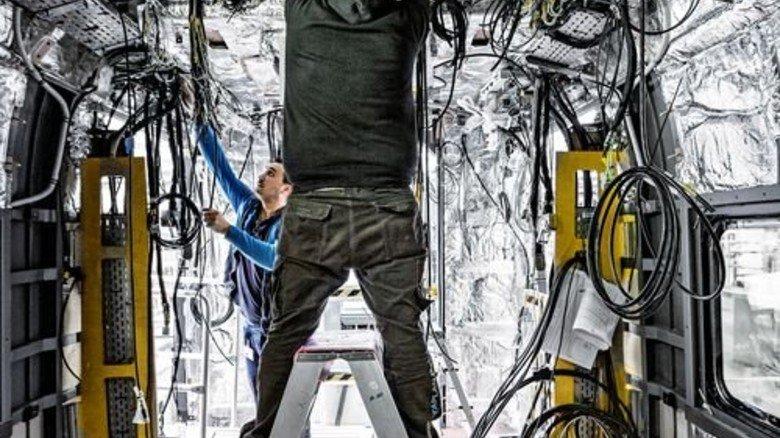 Viele Kabel: Knapp 200 Kilometer Leitungen werden pro Zug verlegt. Foto: Werk