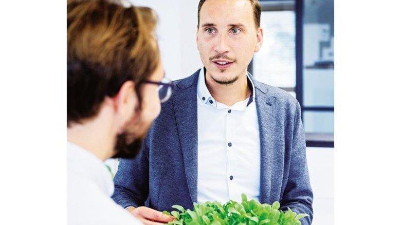 Timo Bongartz, Head of Smart Farming bei Osram, feilt an smarten Lösungen für Urban Farming, also Pflanzenanbau auf engem Raum in Städten mithilfe von intelligentem LED-Licht. Foto: Osram