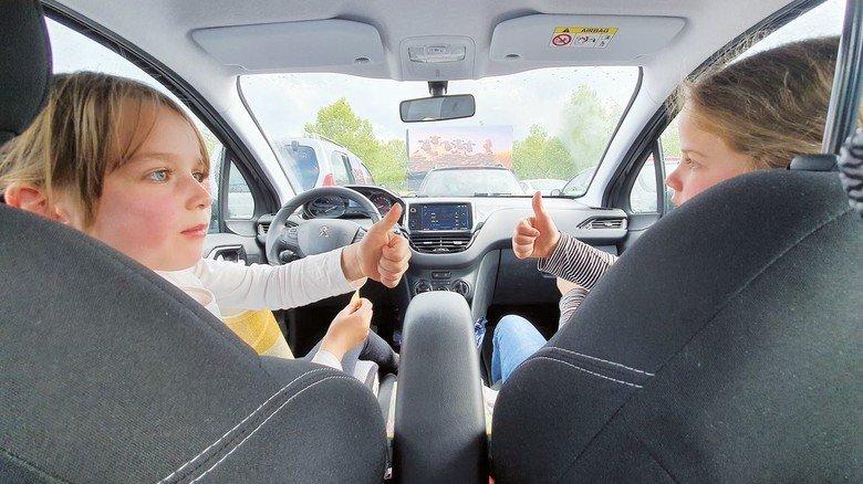 Cool! aktiv hat mit zwei Kindern das neue Autokino in Heilbronn besucht.