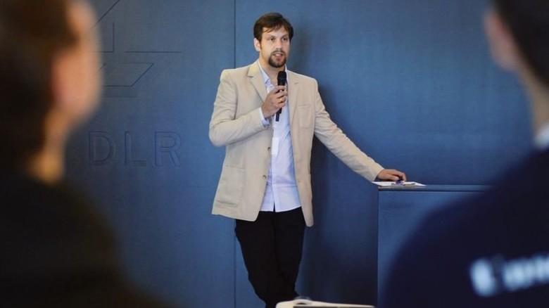 """""""Die Teams mussten echte Projektarbeit leisten, das war schon sehr anspruchsvoll."""" Dirk Stiefs, Deutsches Zentrum für Luft- und Raumfahrt. Foto: Bahlo"""