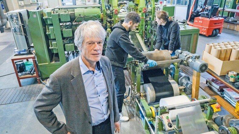 Treiben die Technik voran: Professor Ulrich Giese und die Mitarbeiter des Kautschukinstituts in Hannover.