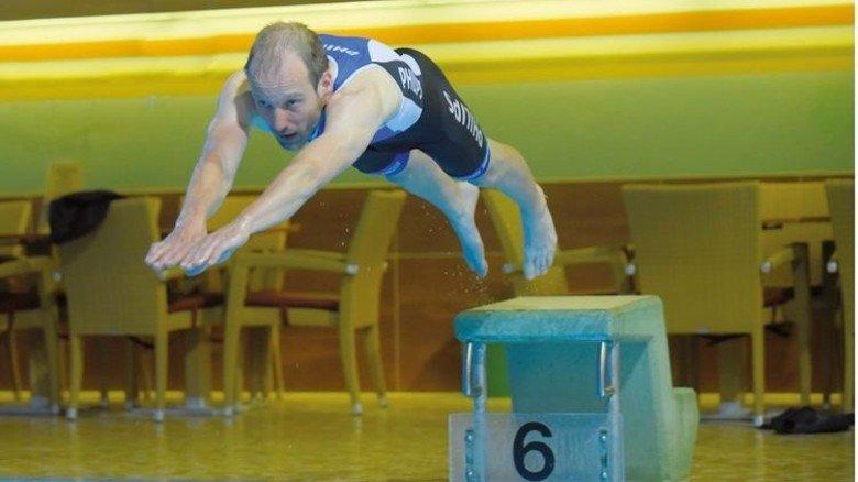 Im Hallenbad: Nur im Juni und Juli trainieren die Triathleten im Freiwasser. Foto: Augustin